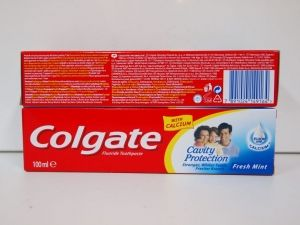 Colgate Cavity toothpaste 100 ml - Fresh mint